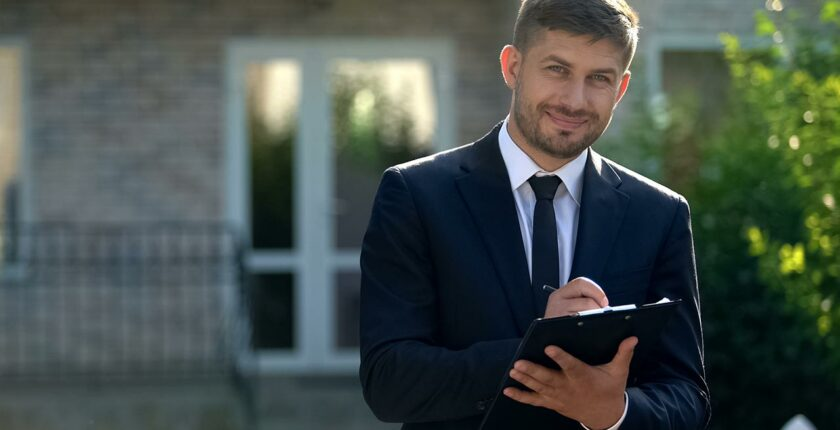 Household-Staffing-How-to-Become-an-Estate-Manager